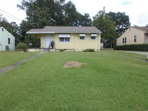 Photo of 406 New River Drive, Jacksonville, NC 28540 (MLS # 100237987)