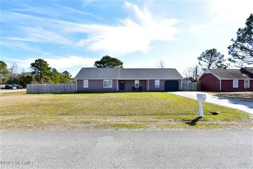 Photo of 316 Foxtrace Lane, Hubert, NC 28539 (MLS # 100258988)