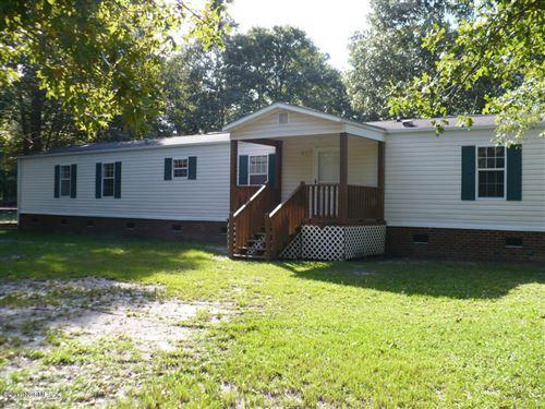 Photo of 119 Edgewater Lane, Richlands, NC 28574 (MLS # 100276992)