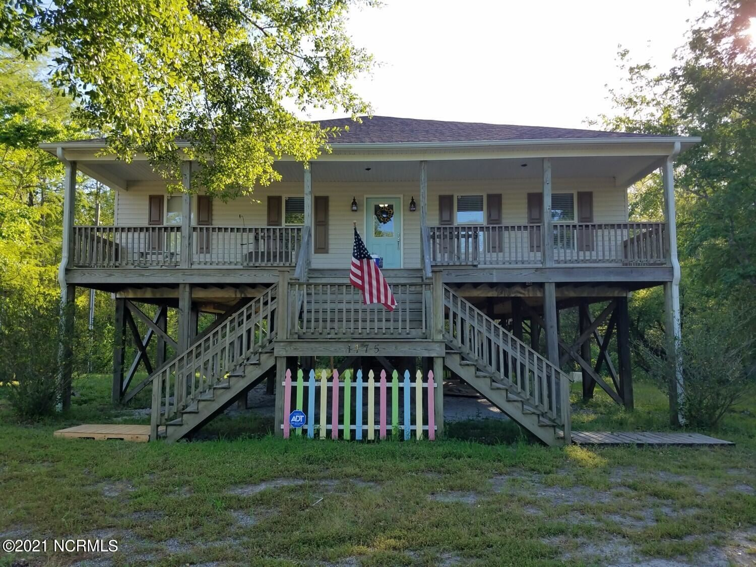 Photo for 1175 S Holly Shelter Estate Road, Rocky Point, NC 28457 (MLS # 100279993)