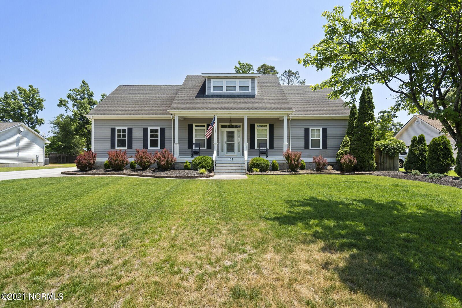 Photo for 107 Bellowing Doe Road, Hampstead, NC 28443 (MLS # 100270994)