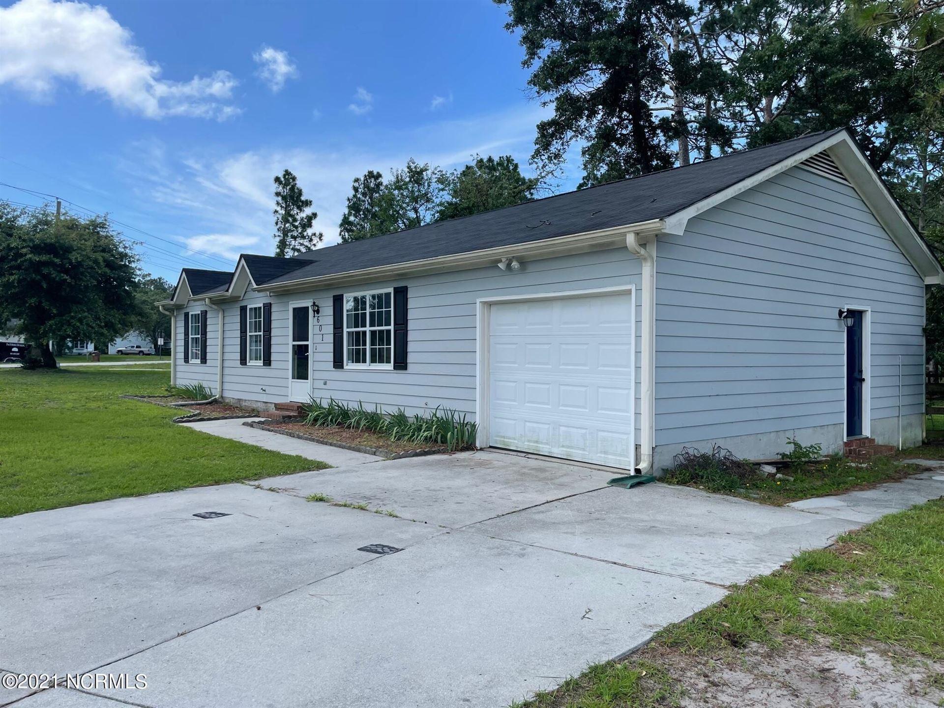Photo of 601 Calabash Drive, Hubert, NC 28539 (MLS # 100271994)