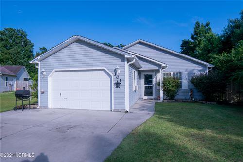 Photo of 301 Top Knot Road, Hubert, NC 28539 (MLS # 100283997)