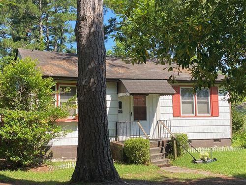 Photo of 911 Meadows Street, New Bern, NC 28560 (MLS # 100265998)