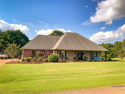Photo of 806 Twin Lakes Cove, OXFORD, MS 38655 (MLS # 149195)