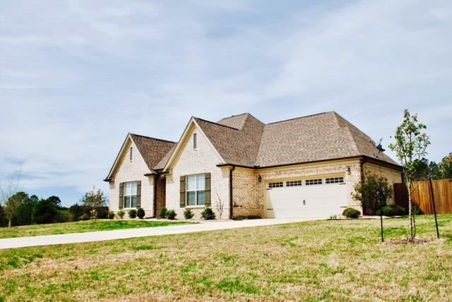 Photo for 802 Twin Lakes Cove, OXFORD, MS 38655 (MLS # 140257)