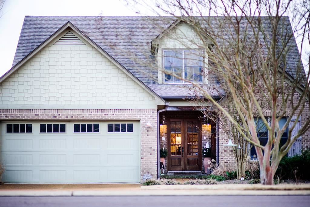 Photo for 2404 W Wellsgate Dr, OXFORD, MS 38655 (MLS # 142310)