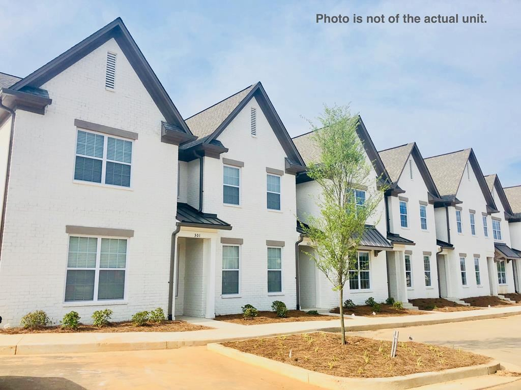 Photo for 102 Farm View Dr. #701, OXFORD, MS 38655 (MLS # 139452)