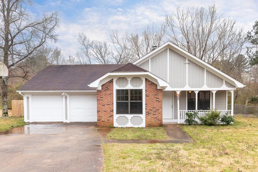 Photo for 903 Crawford Cir, OXFORD, MS 38655 (MLS # 142593)
