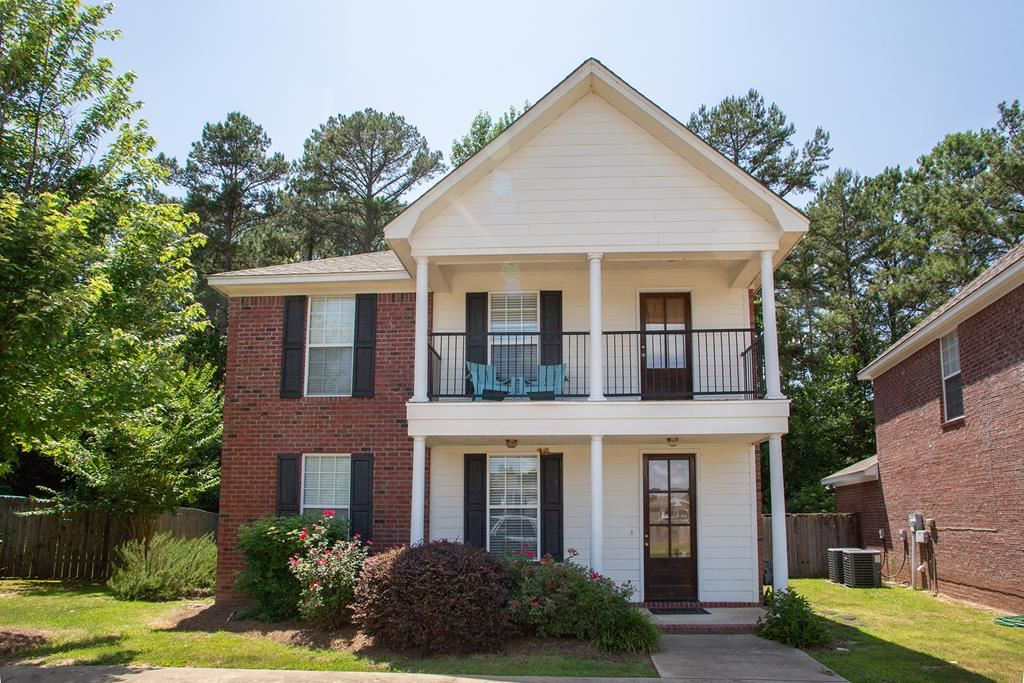Photo for 720 Southpointe Commons Loop, OXFORD, MS 38655 (MLS # 140747)