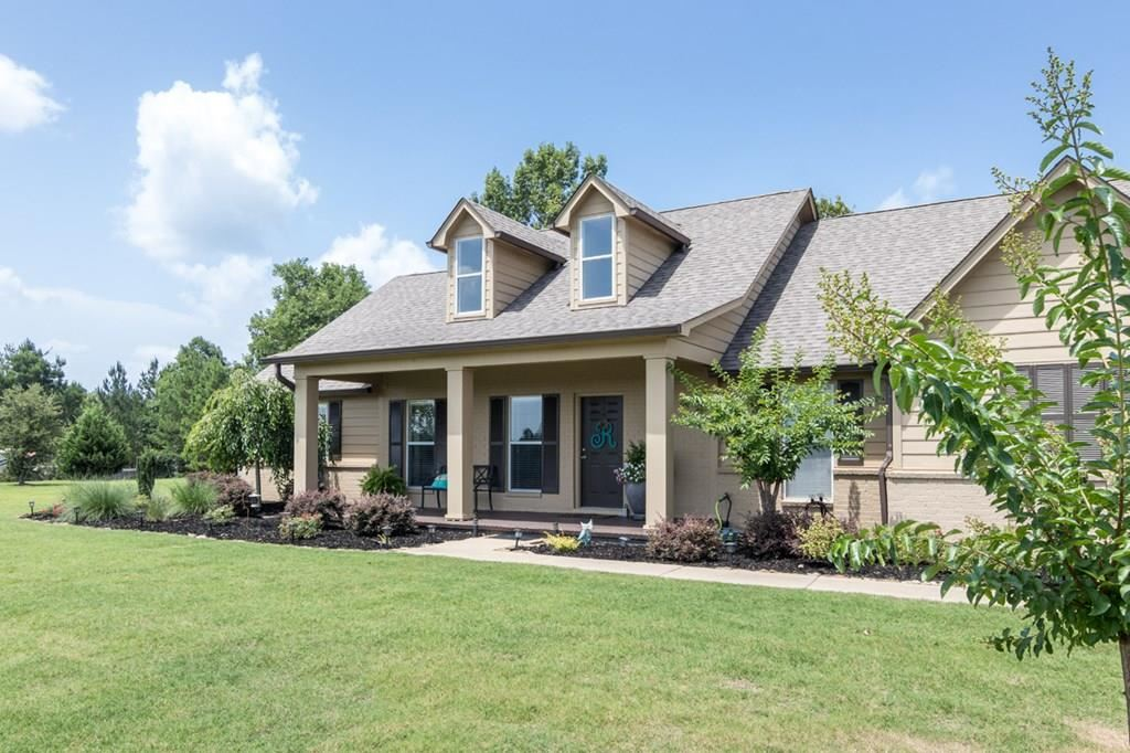 Photo for 130 Lakes Drive South, OXFORD, MS 38655 (MLS # 140914)