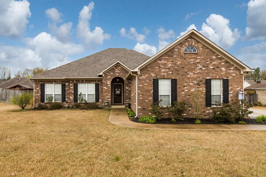 Photo for 816 Butler Drive, OXFORD, MS 38655 (MLS # 140916)