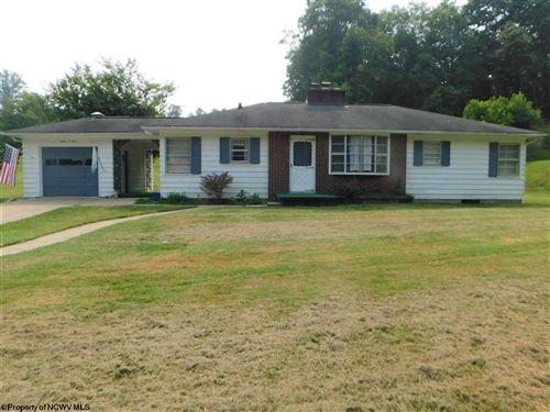 Photo of 1604 Otlahurst Drive, Fairmont, WV 26554 (MLS # 10139095)