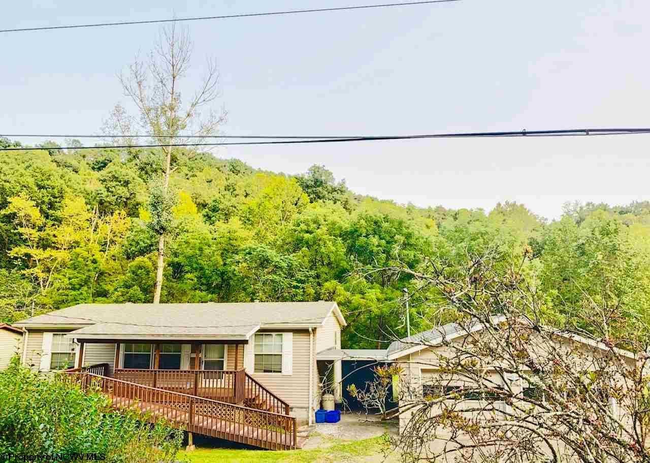 Photo for 708 Michigan Avenue, Nutter Fort, WV 26301 (MLS # 10134161)