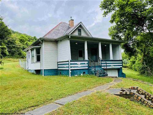 Photo of 1940 MORGANTOWN Avenue, Fairmont, WV 26554 (MLS # 10138743)