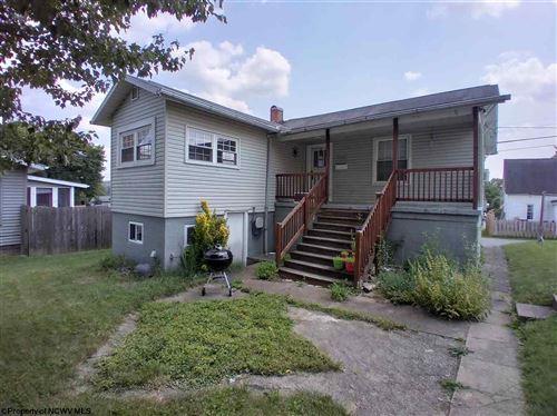 Photo of 303 BELLVIEW Avenue, Fairmont, WV 26554 (MLS # 10138820)
