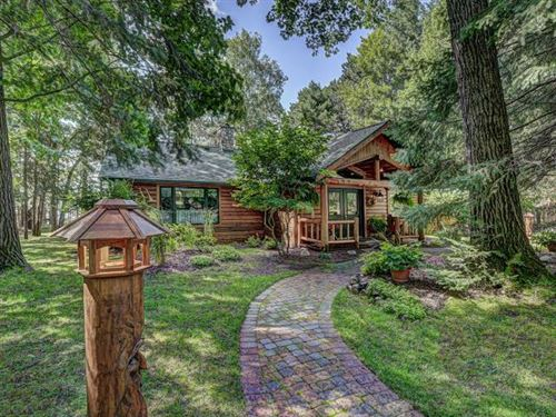 Photo of 4213 HEMLOCK DR, Eagle River, WI 54521 (MLS # 186383)