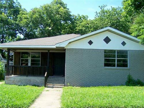 Photo of 924 W GANDY Street, Denison, TX 75020 (MLS # 14616002)