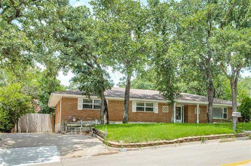 Photo of 1005 Wade Drive, Bedford, TX 76022 (MLS # 14384003)