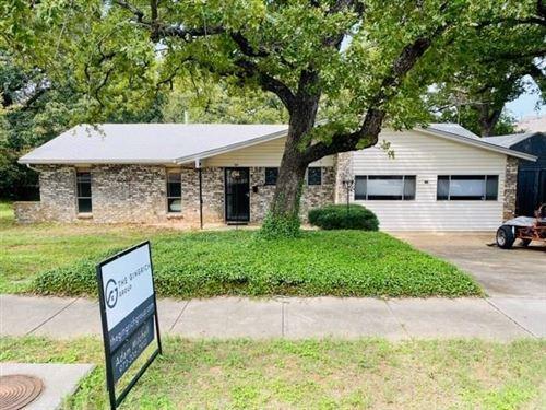 Photo of 1103 N Lucas Drive, Grapevine, TX 76051 (MLS # 14431004)