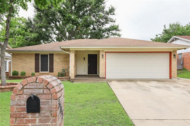 3713 Holly Springs Drive, Fort Worth, TX 76133 - #: 14586004
