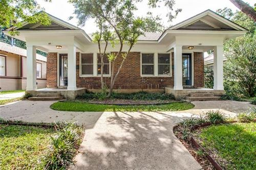 Photo of 415 N Winnetka Avenue, Dallas, TX 75208 (MLS # 14267009)