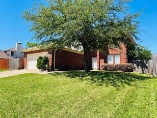 2430 Whispering Creek Drive, Arlington, TX 76018 - #: 14571010