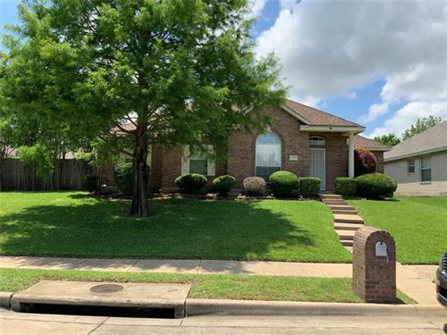 Photo of 925 Parkwood Trail, Mesquite, TX 75149 (MLS # 14606011)