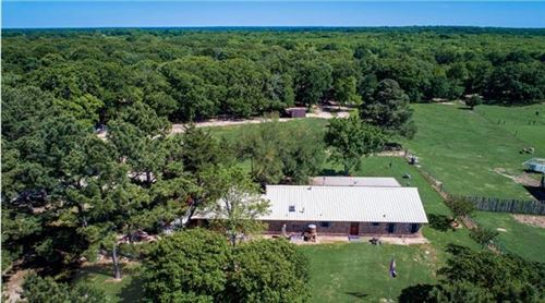 Photo of 9445 County Road 2400, Quinlan, TX 75474 (MLS # 14401014)