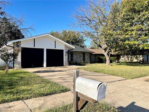 Photo of 1812 Guinevere Street, Arlington, TX 76014 (MLS # 14697014)