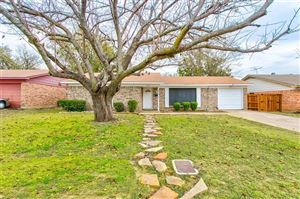 Photo of 5925 Waits Avenue, Fort Worth, TX 76133 (MLS # 14229018)