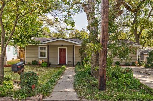Photo of 1006 N Rusk Street, Weatherford, TX 76086 (MLS # 14460023)