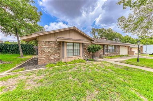 Photo of 328 Plainview Drive, Hurst, TX 76054 (MLS # 14380029)