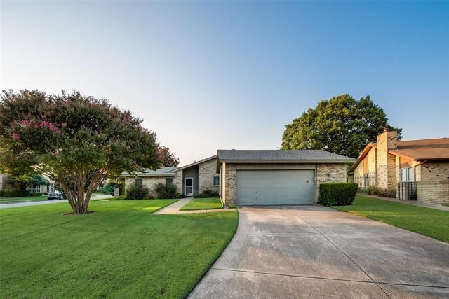 901 Shady Creek Lane, Bedford, TX 76021 - #: 14672029