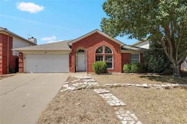 4215 Bent Oaks Drive, Arlington, TX 76001 - #: 14413030