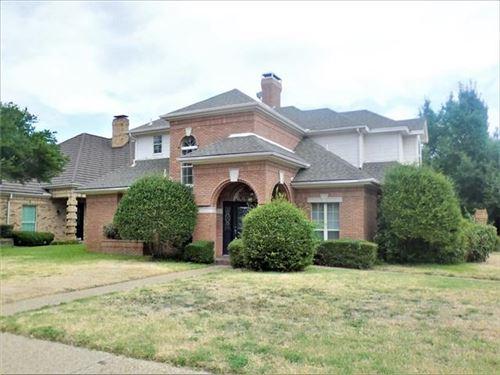 Photo of 501 Farine Drive, Irving, TX 75062 (MLS # 14694031)