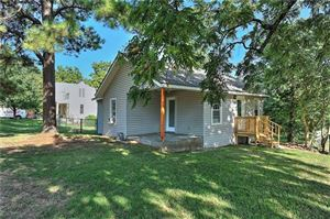 Photo of 321 S Perry Avenue, Denison, TX 75020 (MLS # 14165033)