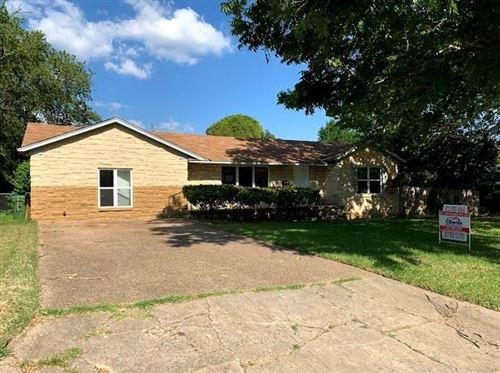 Photo of 3524 Kingsbury Avenue, Richland Hills, TX 76118 (MLS # 14365036)