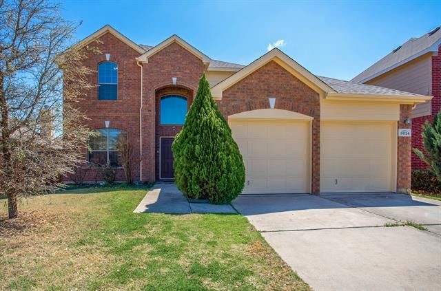 8024 Valley Crest Drive, Fort Worth, TX 76120 - #: 14548036