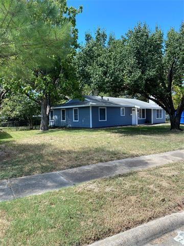 Photo of 909 Patria Drive, Mesquite, TX 75149 (MLS # 14673037)