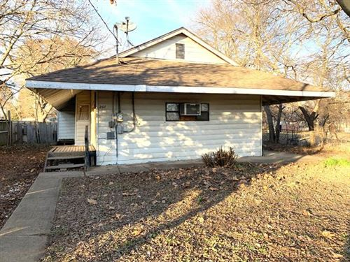 Photo of 207 W Walnut Street, Howe, TX 75459 (MLS # 14237043)