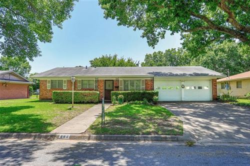 Photo of 605 Melody Lane, Gainesville, TX 76240 (MLS # 14362043)