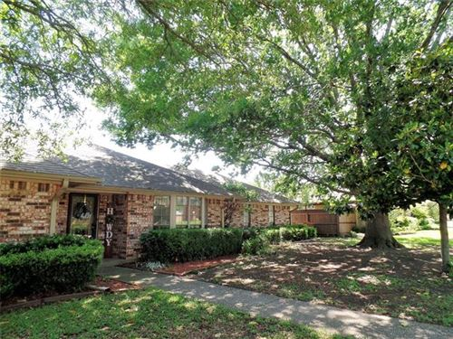 Photo of 1908 Woodlawn Court, Gainesville, TX 76240 (MLS # 14333044)