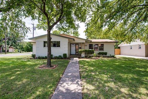 Photo of 408 W Alta Vista Street, Sherman, TX 75092 (MLS # 14387044)