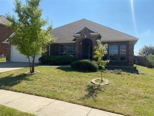 Photo of 10244 Red Bluff Lane, Fort Worth, TX 76177 (MLS # 14442045)