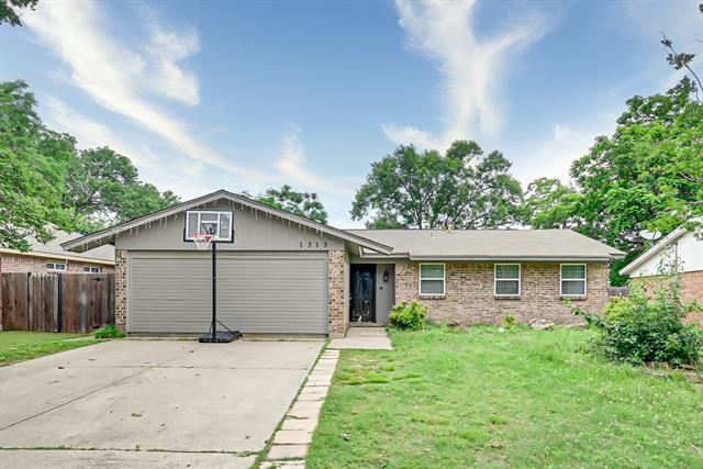 1313 Montclair Street, Arlington, TX 76015 - #: 14591047