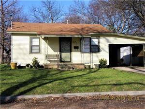 Photo of 647 E South Street, Whitesboro, TX 76273 (MLS # 14000050)