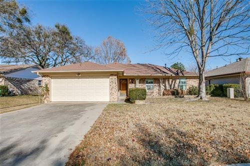 Photo of 2017 Knoxville Drive, Bedford, TX 76022 (MLS # 14491053)