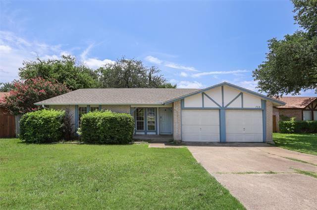 728 Thomas Chapel Drive, Arlington, TX 76014 - #: 14630059