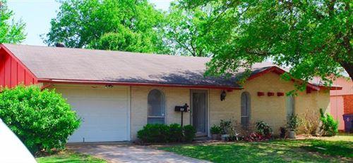 Photo of 222 Trailridge Drive, Garland, TX 75043 (MLS # 14556061)